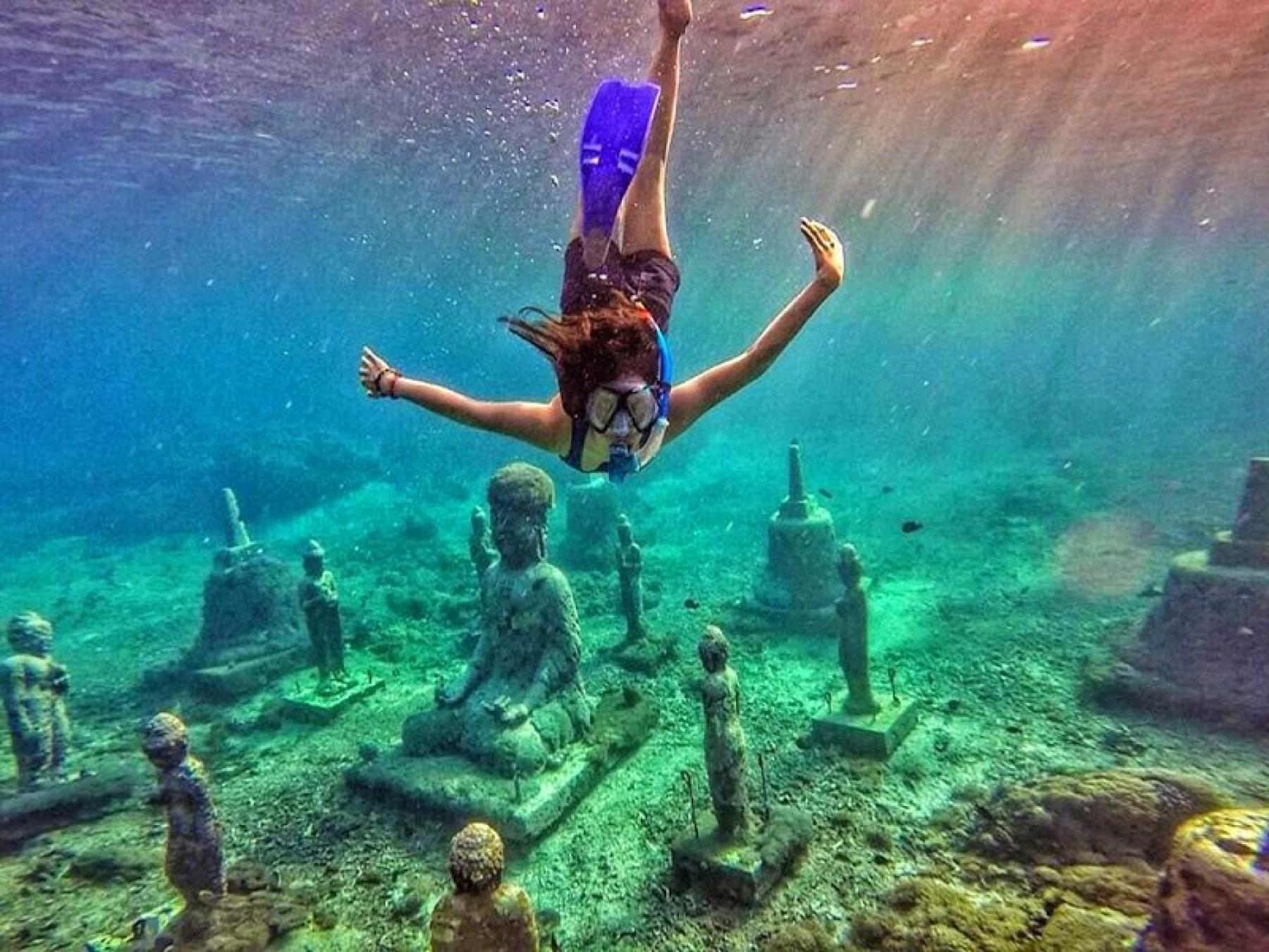 Let's experience the weekend finding the underwater buddhas & manta rays starting at NUSA PENIDA ISLAND, Jalan Pantai, Kutampi Kaler, Klungkung Regency, Bali, Indonesia