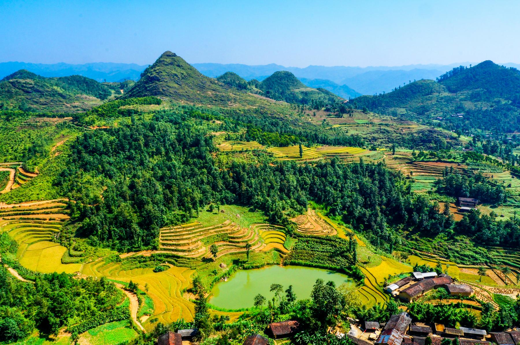A Road Trip to the Picturesque Heaven's Gate - Ha Giang starting at Ha Giang, Vietnam