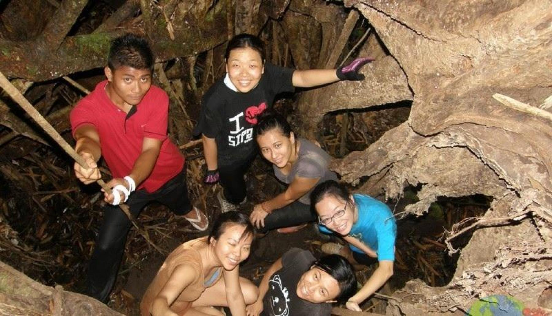 Squeeze'n'slide Pala Rock & discover hidden beaches by the oldest Malay lighthou starting at Kuala Lumpur Malaysia