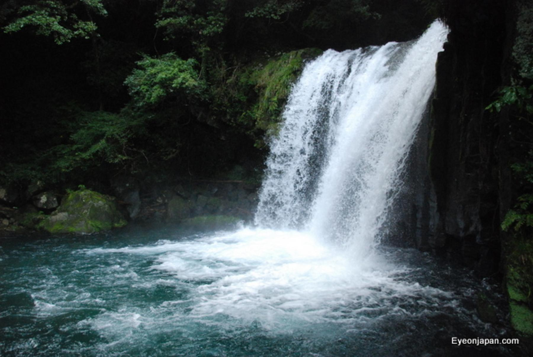 Let's hike the Izu Geopark and waterfalls starting at Tokyo, Japan