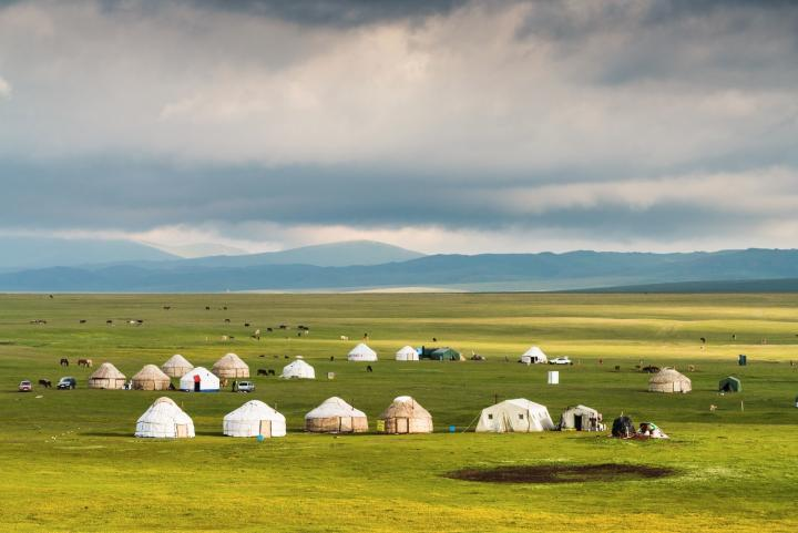 Let's experience the life of the silk roads nomads
